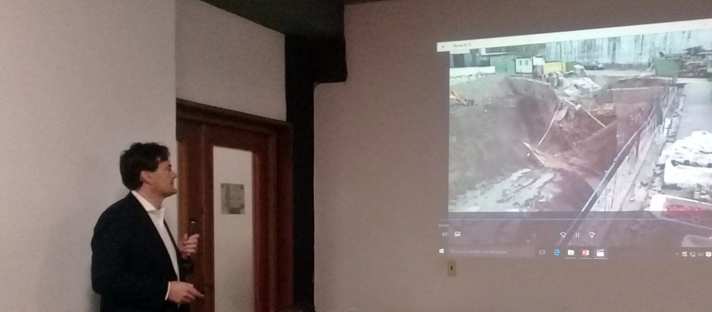 El consejero delegado de Ferrer, Alejandro Ferrer, imparte una conferencia online.
