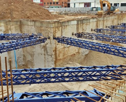 Construcción de un edificio de viviendas en Hospitalet de Llobregat por Rodio Kronsa