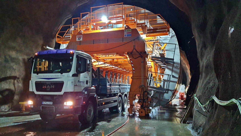 Reparación del túnel hidráulico de la central de Changuinola.